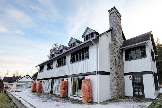 La propriété mise en vente par Gilbert Rozon et ses deux sœurs compte 33 pièces, une piscine et plusieurs facilités pour des réceptions.