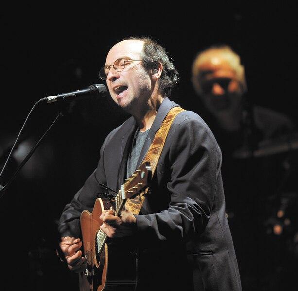Michel Rivard a écrit Martin d'la chasse-galerie, qui est devenue l'une des chansons les plus populaires du groupe folklorique La bottine souriante Rivard l'a aussi chantée en duo avec Mes aïeux.