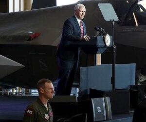 Le vice-président américain Mike Pence s'est adressé aux militaires Américains sur la base aérienne de Yokota.