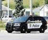 Des Ford Interceptor de la SQ comme celui-ci ne respectent pas la convention collective des policiers.