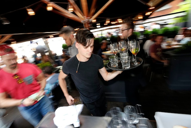 Les coulisses du restaurant L'Atelier lors de la plus grosse soirée du FEQ.