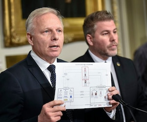 Le chef du Parti québécois, Jean Francois Lisée et le député Pascal Bérubé.