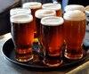 Verres de bière brune