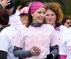 Depuis 2015 qu'elle est officiellement guérie, Sophie Leblanc s'implique de plusieurs façons pour amasser des dons pour la recherche contre le cancer. Elle est notamment porte-parole de la Course à la vie de la Société canadienne du cancer.