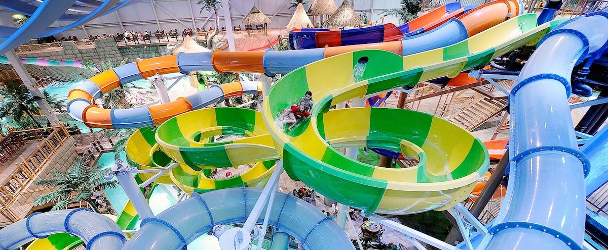 Le bora parc enfin ouvert le journal de qu bec for Hotel parc aquatique interieur quebec
