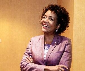 Michaëlle Jean, photographiée hier à la Conférence de Montréal du Forum économique international des Amériques, a bénéficié de rénovations de 500 000$ dans son appartement de fonction à Paris.