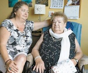 Diane Dufour et sa mère, Marie-Anne Pelletier, ont été adressées à un pharmacien de Laval qu'elles ne connaissaient pas, même si cette dernière vivait dans une résidence de l'est de Montréal.