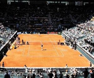 Le complexe de tennis de Madrid comprend des terrains avec toit rétractable.