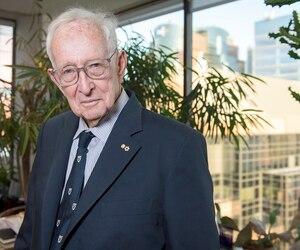 Né à Berlin en 1925, le Montréalais Stephen Jarislowsky a bâti sa fortune avec son entreprise de placements. Il recommande aux gouvernements d'en faire plus pour attirer et retenir la richesse.