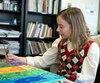 Stéphanie travaillait sur sa première toile lorsque nous l'avons rencontrée dans le cadre de l'un des ateliers des Impatients, à quelques jours de la tenue de l'exposition-encan <i>Parle-moi d'amour</i>.