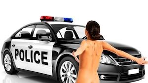Une voleuse d'autopatrouille nudiste en cavale