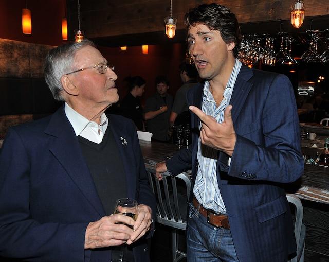 L'ex-maire de Québec, Gilles Lamontagne, avec Justin Trudeau en 2013