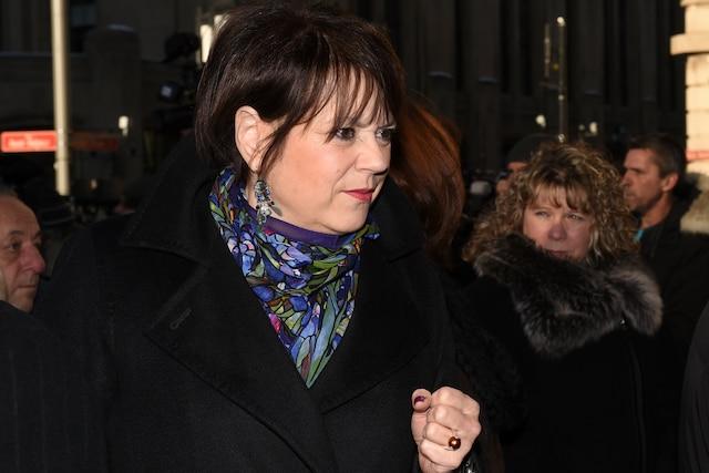 La ministre Hélène David lors de l'entrée des invités aux funérailles de René Angelil, célébrées ce vendredi après-midi 22 janvier 2016, à la Basilique Notre-Dame, à Montréal.