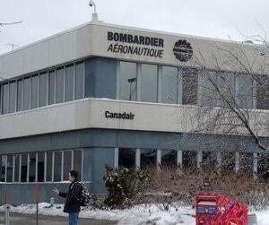 Les employés de l'usine du boulevard Marcel-Laurin à Saint-Laurent ont appris que 2400 emplois seraient supprimés d'ici deux ans au Québec.