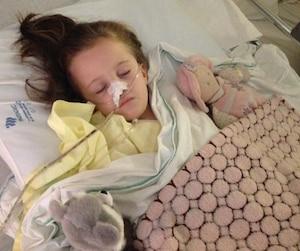 La mère de la petite Mélody a confirmé que sa fille, toujours hospitalisée, se porte mieux.