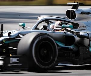 En vertu de sa victoire dimanche, Lewis Hamilton détient maintenant une avance de 29 points sur son coéquipier Valtteri Bottas au championnat des pilotes.