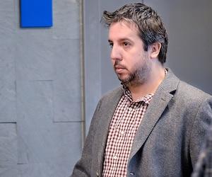 Visiblement excédé par les procédures judiciaires de la journée, Jean-Sébastien Monette a quitté la salle d'audience, lundi, avant de revenir.