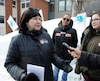 Face à la résidence Aviva, rue de Galais, à Québec, Marie-Anne Gilbert, vice-présidente du service aux membres du Syndicat québécois des employées et employés de service, a revendiqué de meilleures conditions salariales pour ses membres.