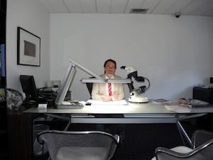 Les bureaux où travaille l'évaluateur Yves Morrier sont munis d'équipement de sécurité sophistiqué.