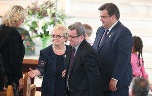 Les maires de Québec et de Montréal, Régis Labeaume et Denis Coderre, ont assisté à la cérémonie de commémoration à Lac-Mégantic hier et ont assuré la mairesse Colette Roy-Laroche de leur soutien.