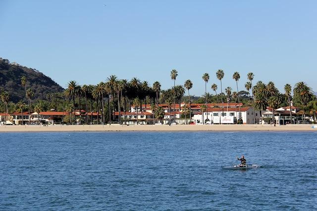 Vue sur Santa Barbara, en Californie,  depuis son quai historique.