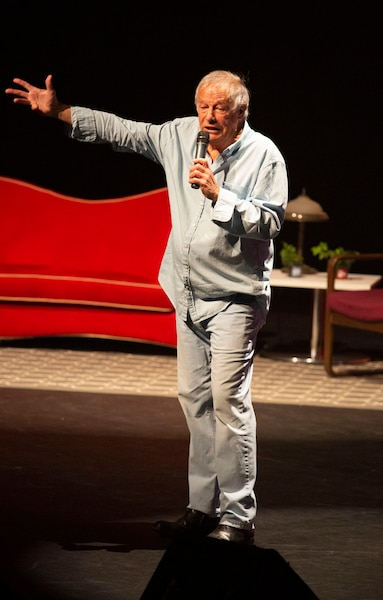 Yves Corbeil a partagé son vécu dans un spectacle inégal.