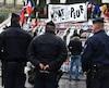 Cette journée de commémoration clôt une semaine d'hommages rendus aux victimes des attentats de Charlie Hebdo tuées le 7 janvier 2015, à la policière municipale tuée le 8 à Montrouge (Hauts-de-Seine) et aux victimes de l'attaque d'un hypercacher le 9 janvier porte de Vincennes.