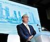 Le PDG de BCE George Cope, qui annonçait en 2015 la construction d'un réseau de fibre optique dans le grand Toronto (photo), a de quoi s'inquiéter. L'une des entreprises qui bâtissent ses infrastructures de télécommunications pourrait être vendue à des intérêts chinois.