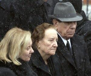 Libertina Manno (au centre), entourée de sa fille Maria Rizzuto et de son défunt mari, Nick, avait une large influence au sein de la famille.