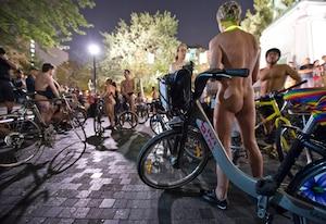 Par souci d'entretien, BIXI Montréal nettoie régulièrement ses vélos.