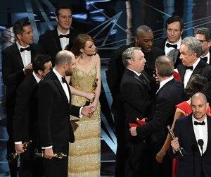 La cérémonie des Oscars a connu l'une des plus grosses bourdes de son histoire l'an dernier lorsque la statuette du meilleur film a été remise, à tort, au film La La Land.