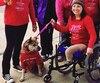 Grâce à son fauteuil roulant, ses prothèses et sa voiture équipée d'une option pour commander à la main les pédales d'accélération et de frein, Sarah Stott est désormais capable de se déplacer où elle veut.