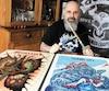 Robert Côté possède plusieurs souvenirs liés à sa passion pour Metallica. Chez lui, il exhibe des baguettes qui portent lagriffe des membres du groupe.