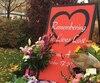 Un monument commémoratif a été érigé en l'honneur des victimes.