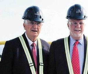 La cimenterie de Port-Daniel en Gaspésie a été officiellement inaugurée le 25 septembre 2017 par le premier ministre d'alors, Philippe Couillard, et la ministre de l'Économie Dominique Anglade. Il s'agit du plus gros projet industriel de la région.