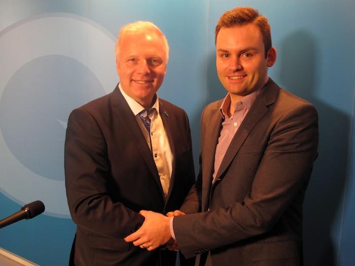 Le nouveau chef du Parti québécois avec son nouveau conseiller spécial à l'«écoute»...