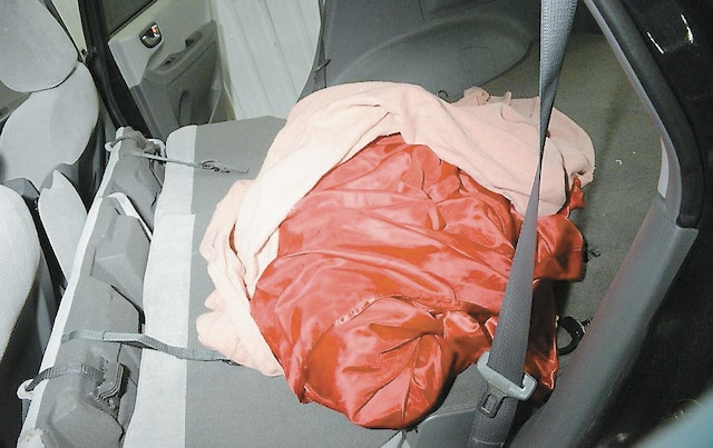 Patrick Lévesque Paquette avait même apporté un drap en  satin rouge.
