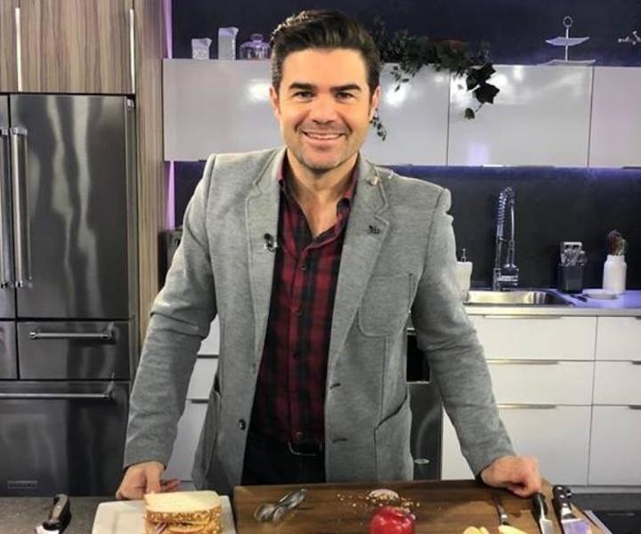 Daniel cuisine sa recette de grilled cheese deluxe!