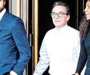 Michel Cadotte, qui a étouffé sa femme atteinte d'Alzheimer avec un oreiller, a été reconnu coupable d'homicide involontaire samedi.