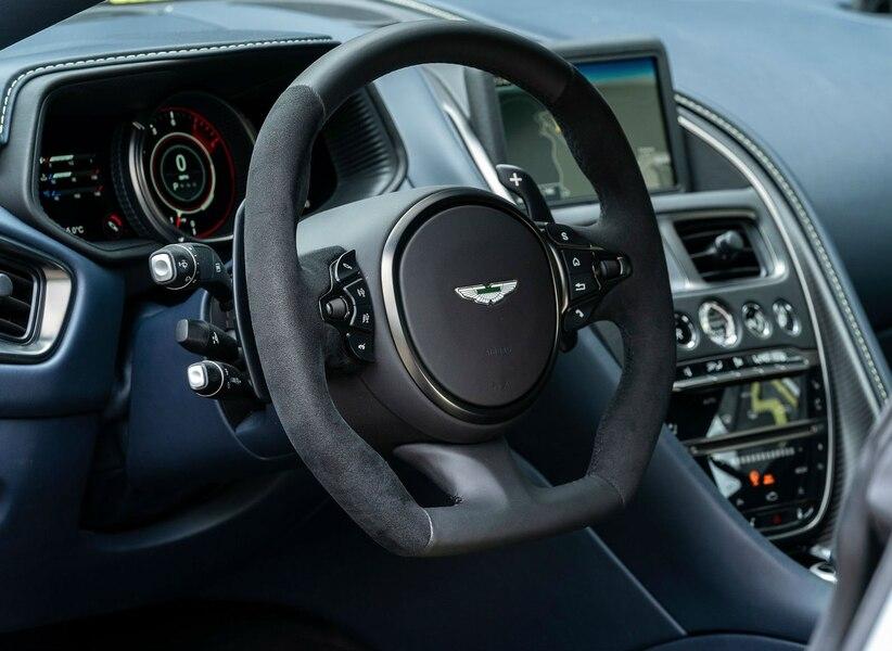 Il lance une pétition pour qu'Aston Martin offre une boîte manuelle 1b3f41b1-e4b4-416d-b1fd-25ff57cae93b_ORIGINAL