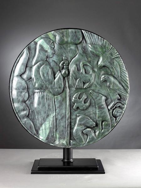 Saint François d'Assise 2015<br /> 60 x 51,5 x 17,5 cm, stéatite brésilienne<br /> L'œuvre de Ruben s'inspire des iconographies chrétienne, inuite, nordique et occidentale.