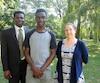 Blaise Guigma, 14 ans avec son père Athanase Guigma et Karine Paquette, directrice adjointe de l'école Sophie-Barat.