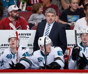 Todd McLellan doit trouver moyen de relancer les Sharks.
