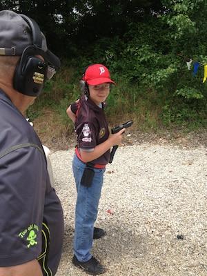 Jack Welsh, 11ans, de Camdenton, au Missouri, a commencé à tirer à l'âge de cinq ans. Il a commencé à participer à des compétitions de tir à l'âge de sept ans.