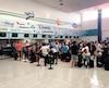 Aucun employé de West Jet ne se trouvait sur les lieux pour répondre aux questions des nombreux voyageurs.