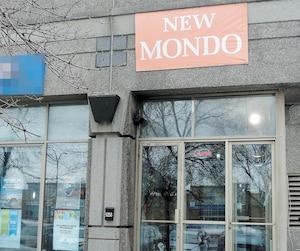 Le New Mondo Café, situé sur le boulevard de l'Acadie, à Montréal, a écopé d'une amende de 1250$ en octobre dernier.