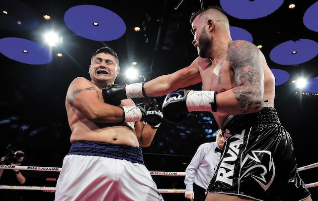 Steve Bossé (culotte noire) vs Julio Cuellar Cabrera (culotte blanche)