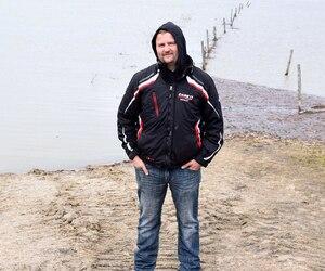 David Dubois n'aurait jamais acheté une ferme à cet endroit s'il avait su que l'eau transformerait son travail en cauchemar.