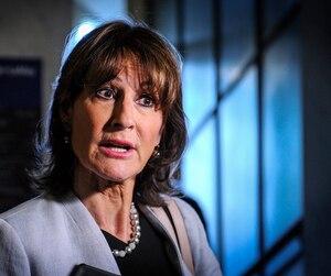 Kathleen Weil a réagi à la lettre ouverte signée par les patrons de presse pour dénoncer le manque de transparence du gouvernement Couillard.