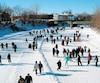 Le trajet de neuf kilomètres, réparti sur deux corridors, en fait la plus longue patinoire sur rivière au Québec.